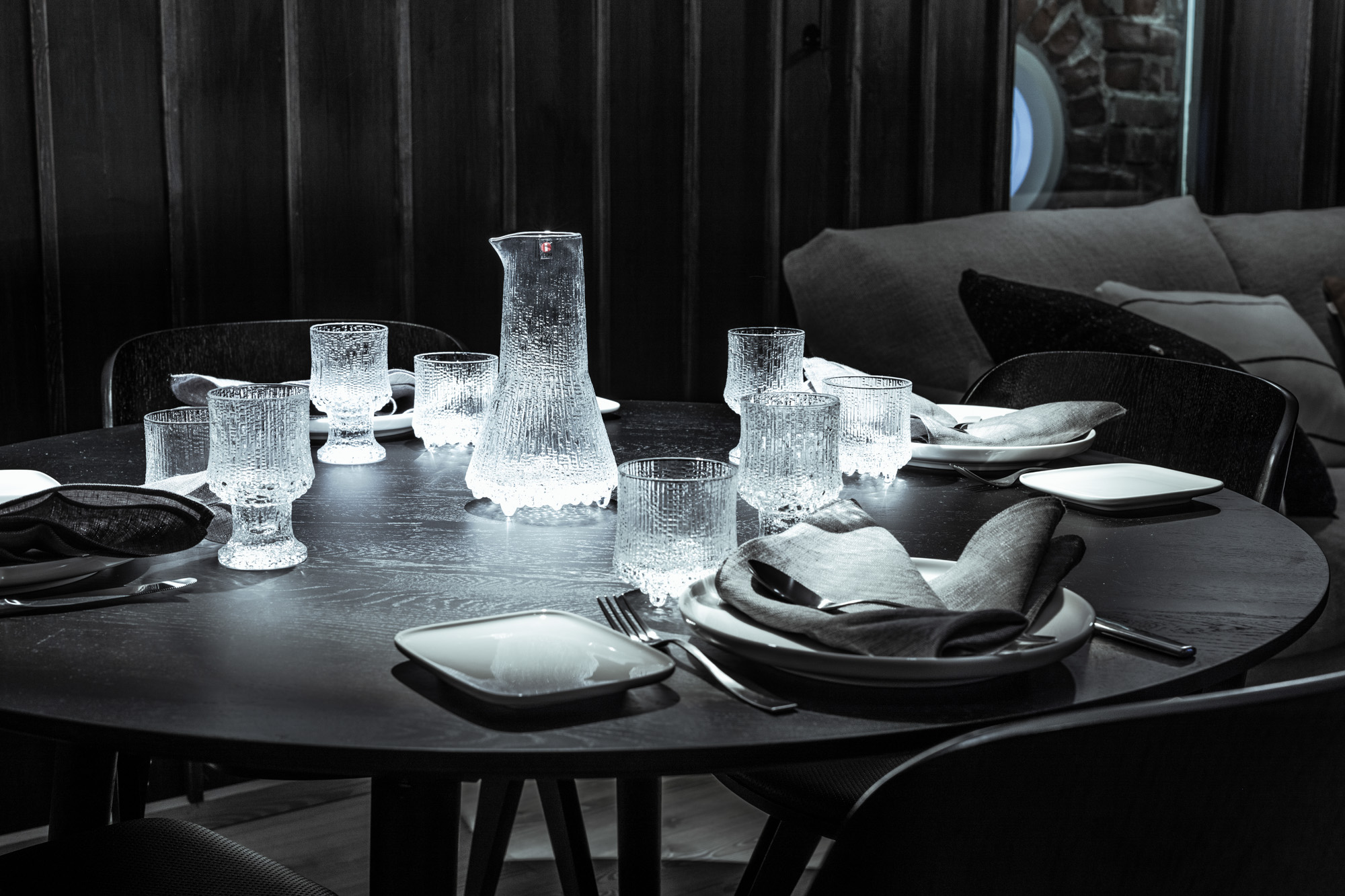Classic Ultima Thule design tableware by Iittala