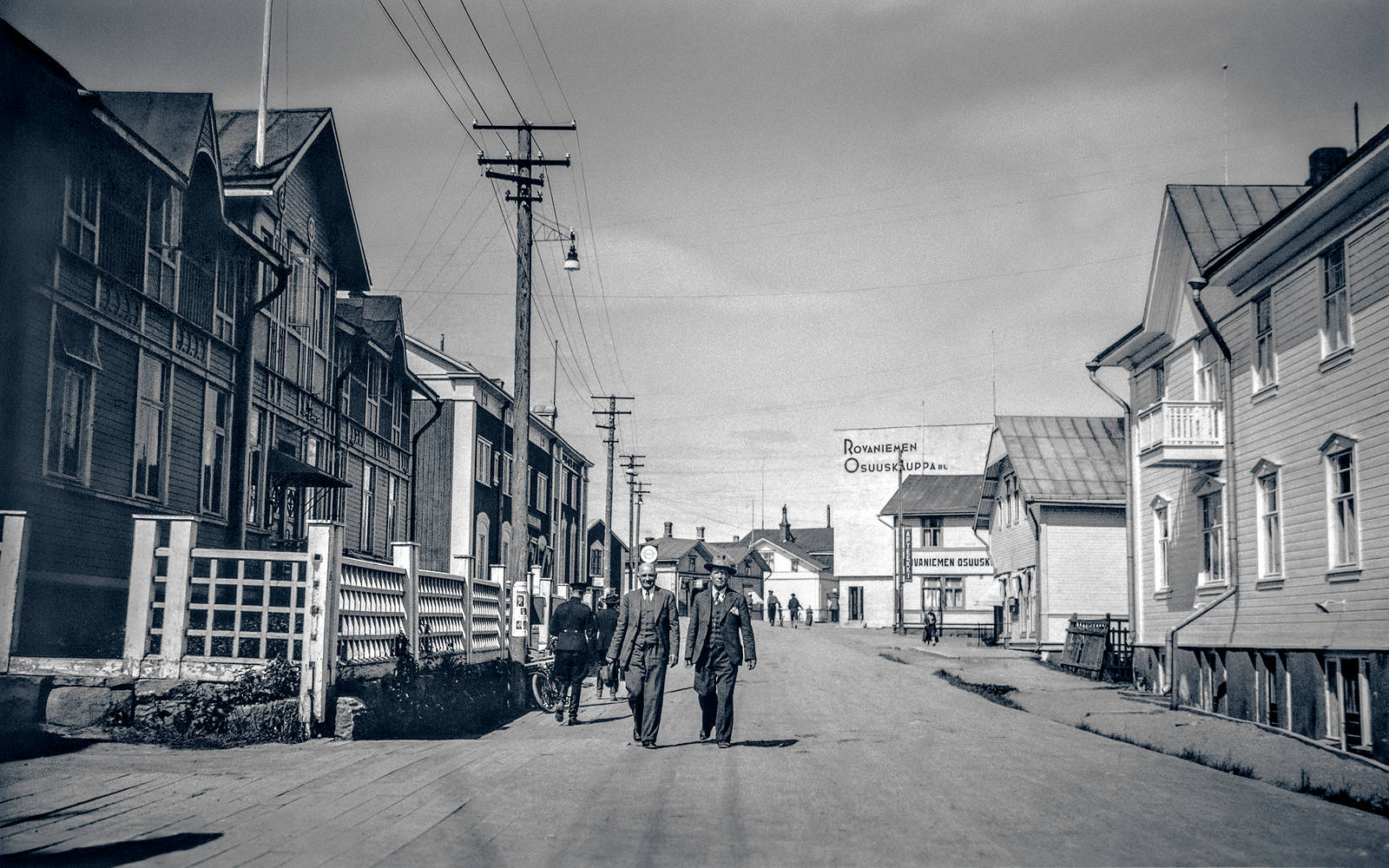 """The capital of Lapland"" – A view to the Maantiekatu street in Rovaniemi in 1935"